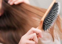 Πείτε αντίο στα σπασμένα μαλλιά με 6 καθημερινά tips